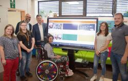 Zahngoldspende über 5.000 Euro von den Patienten der Praxis Dr. Axel Cloeren in Gerolstein gehen an Westeifel Werke