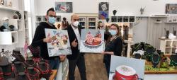 EuWeCo Bilderwelt übergibt Kunstwerke an euvea-Hotel