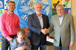 Lebenshilfe Wohngemeinschaften Eifel erhalten Spende aus Geburtstagssammlung