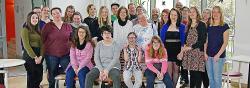 """""""We Are The Champions"""" – Feierliche Abschlussfeier von 13 Absolventen des Berufsbildungsbereichs der Westeifel Werke"""