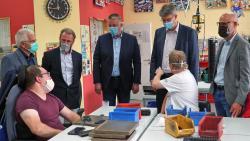 Patrick und Gordon Schnieder besuchen Westeifel Werke